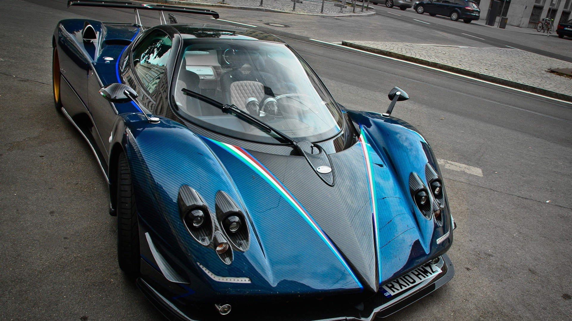 pagani-zonda-tricolori-sports-car-1920x1080