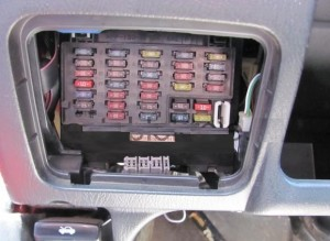 предохранители Nissan Almera N15