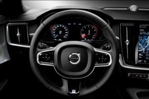 в салоне Volvo R-Design