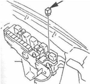 блок реле Mazda MPV