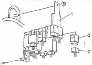 монтажный блок Mazda MPV