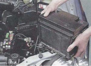 Nissan Primera P12 блок под капотом